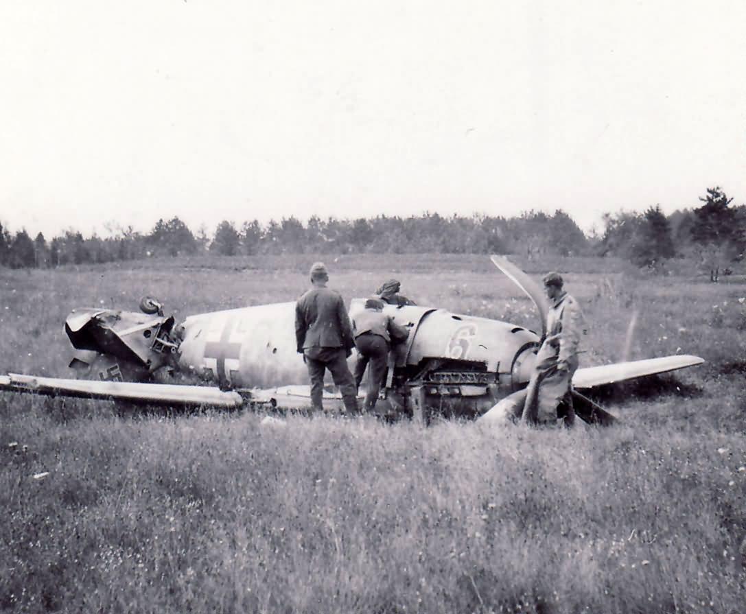 """Crashed Messerschmitt Me109E """"6"""""""