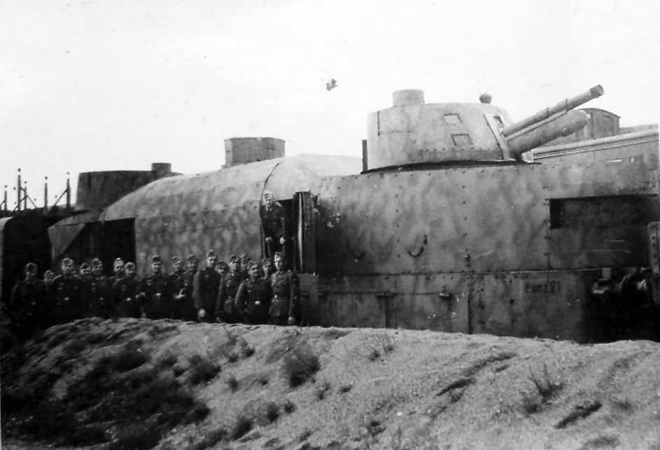 Panzerzug german armored train number 21 camo