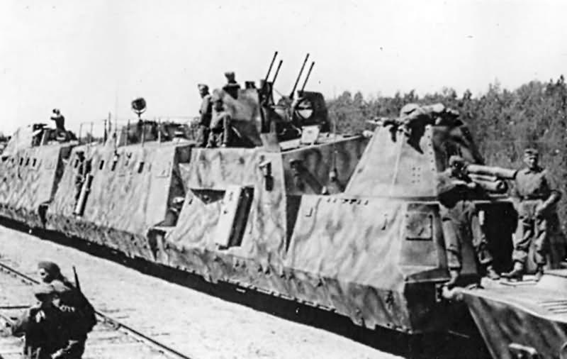 Panzerzug typ BP42 artillerie und flakwagen 2cm Vierlings Flak eastern front 1943