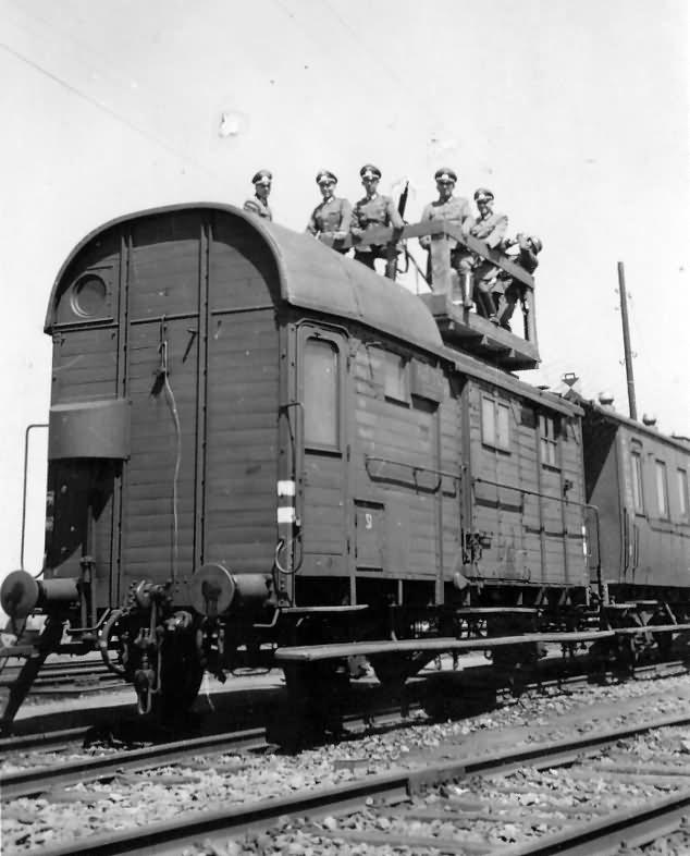 Railcar with flak MG Frankfurt Main Bahnhof 1940