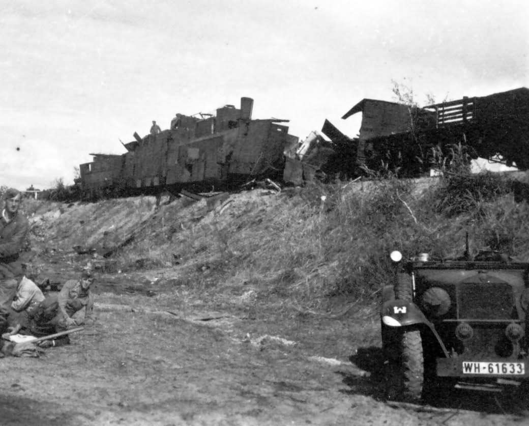 russian armored train destroyed