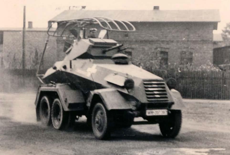 sdkfz 232 6 rad Funkwagen