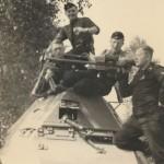 sdkfz 263 and crew