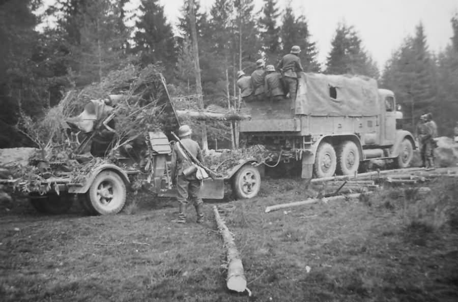photo of 8.8cm Flak 36/37 from 8.8cm Flak 36 from worldwarphotos.info