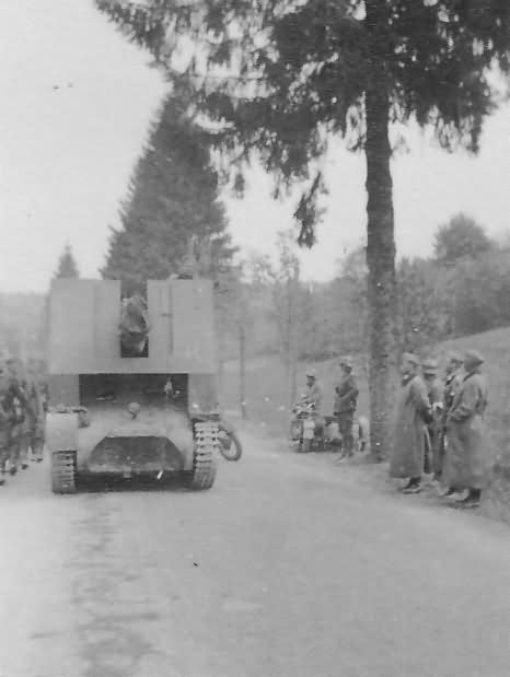 Sturmpanzer I Bison I on road