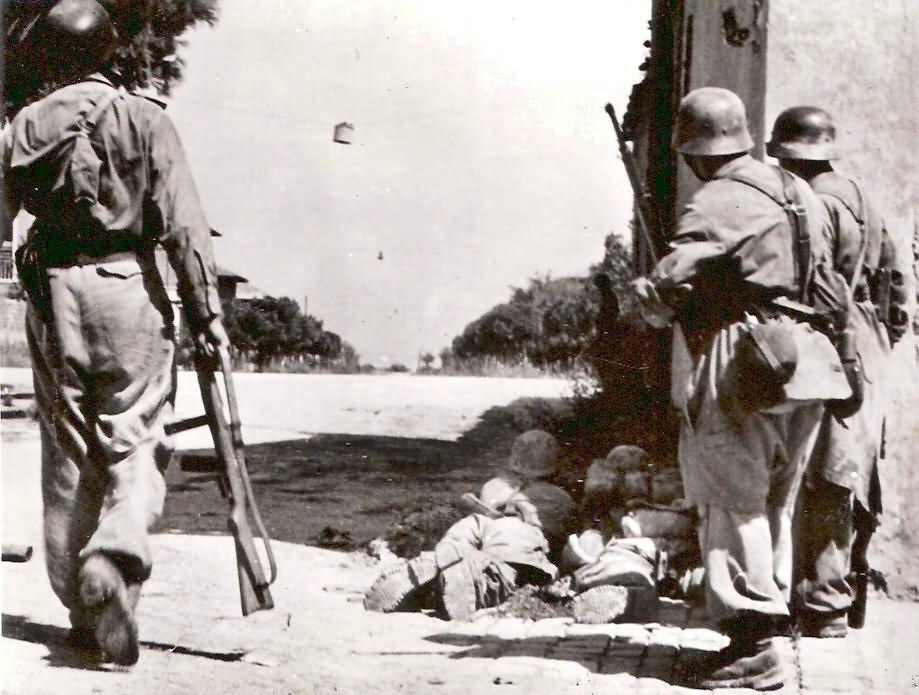 Fallschirmjager Italy 1944