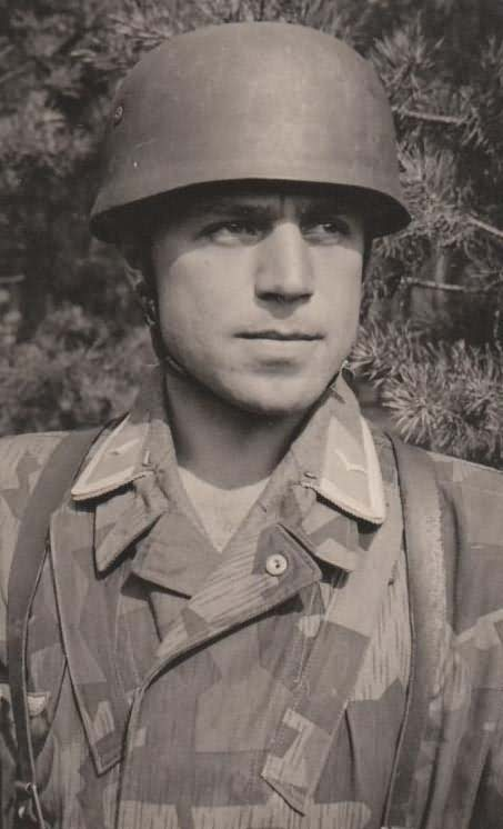 Fallschirmjager WW2 Paratrooper with Helmet