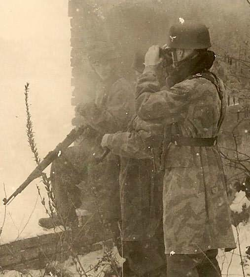 Fallschirmjager with mauser 98k