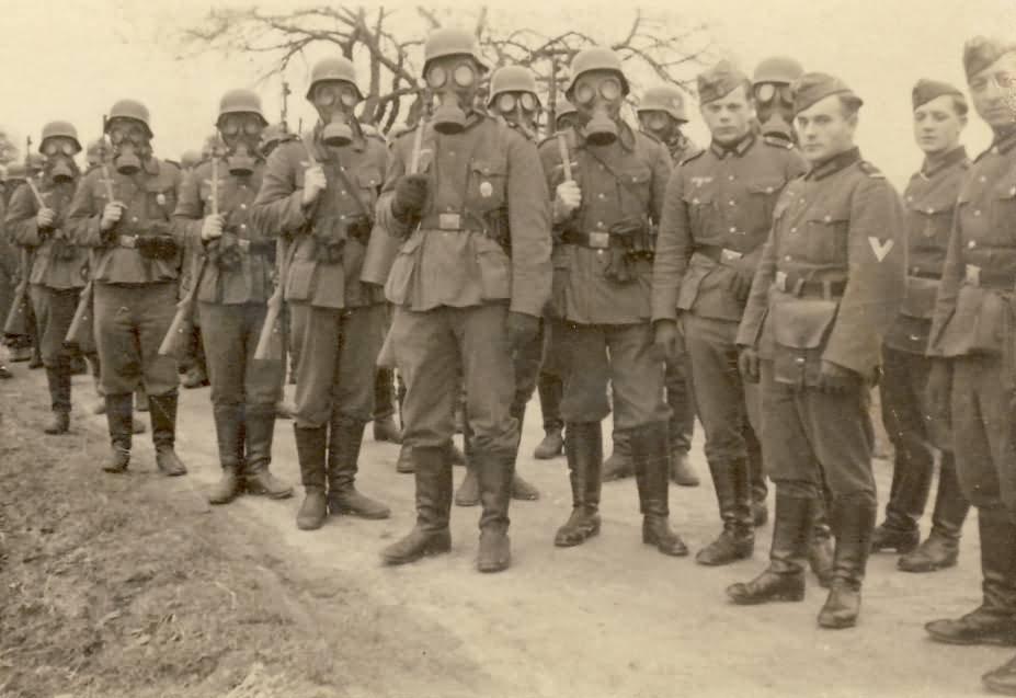 Wehrmacht Landser Gasmaske and Stahlhelm