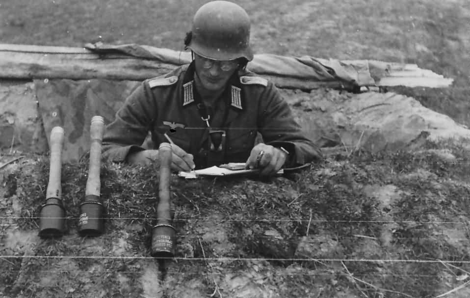 Wehrmacht soldier with handgranaten