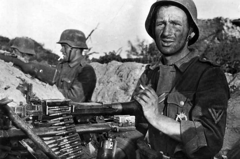 Wehrmacht soldiers with MG34 Dimitrijewka Eastern Front July 1942