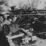 German soldiers with machine gun MG 34