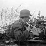 wehrmacht soldier with a machine gun MG34