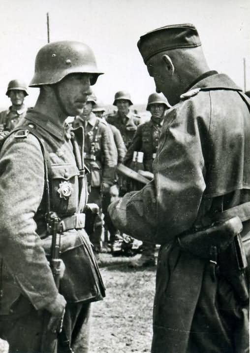 Wehrmacht troops 47d