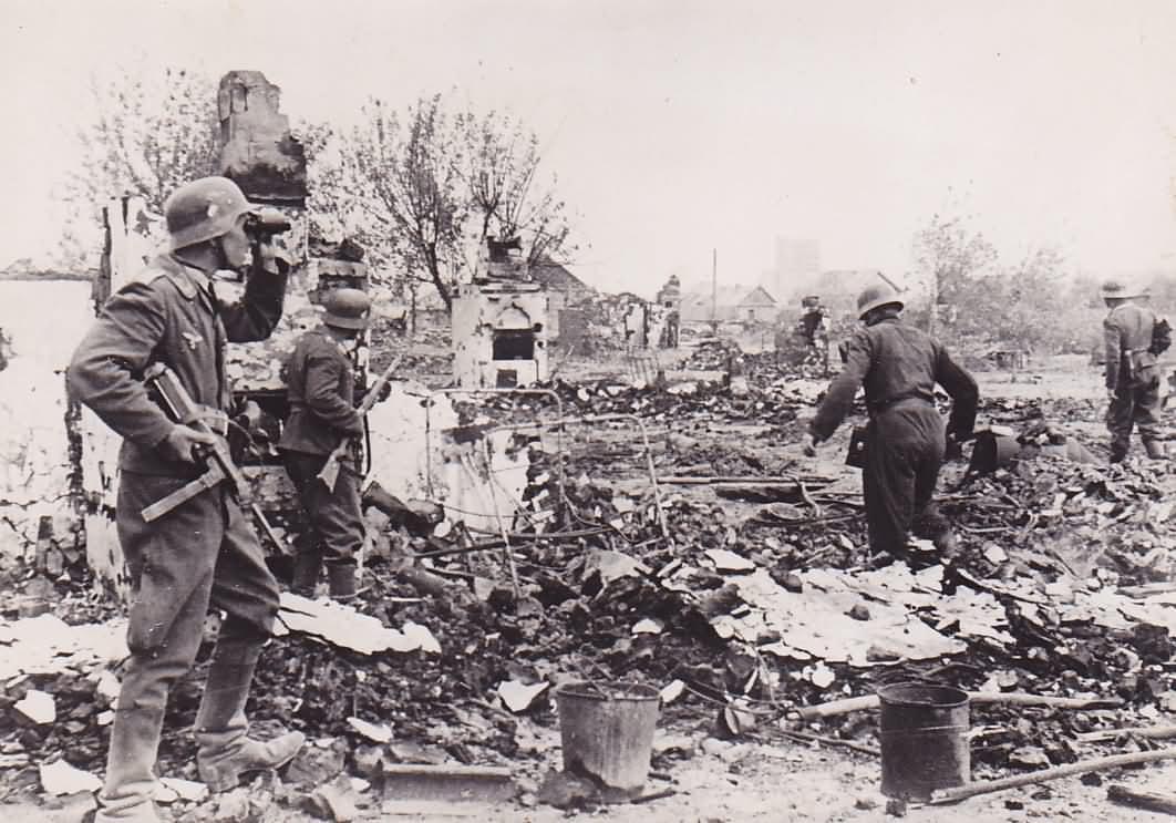 Wehrmacht troops 79