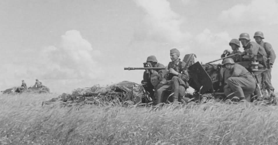2 cm flak on SdKfz 10/4
