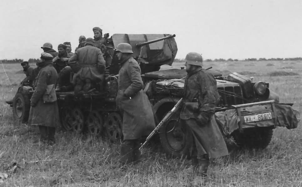 German halftrack SdKfz 10/4