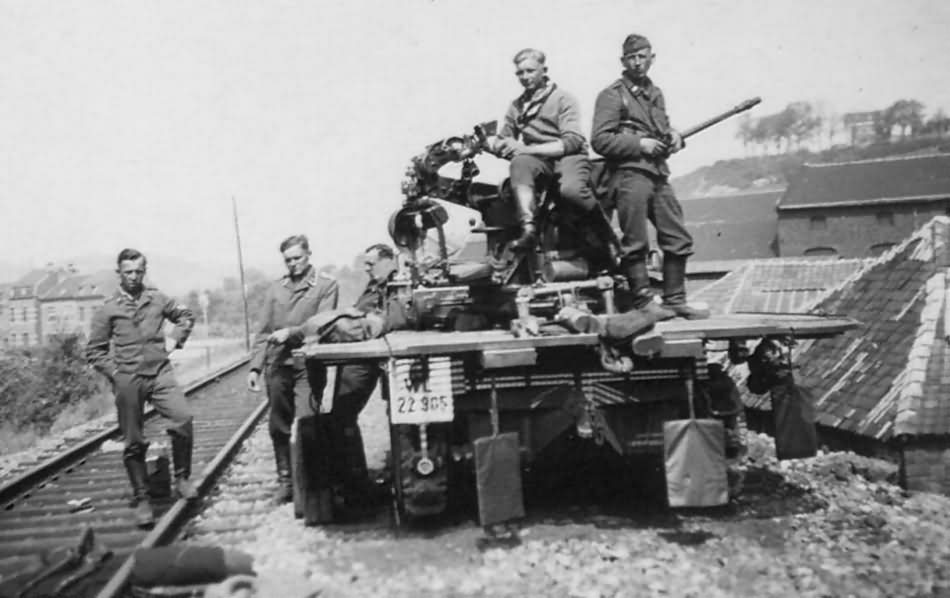 Sd.Kfz.10/4 of the Luftwaffe unit – June 1940 Huy Belgium