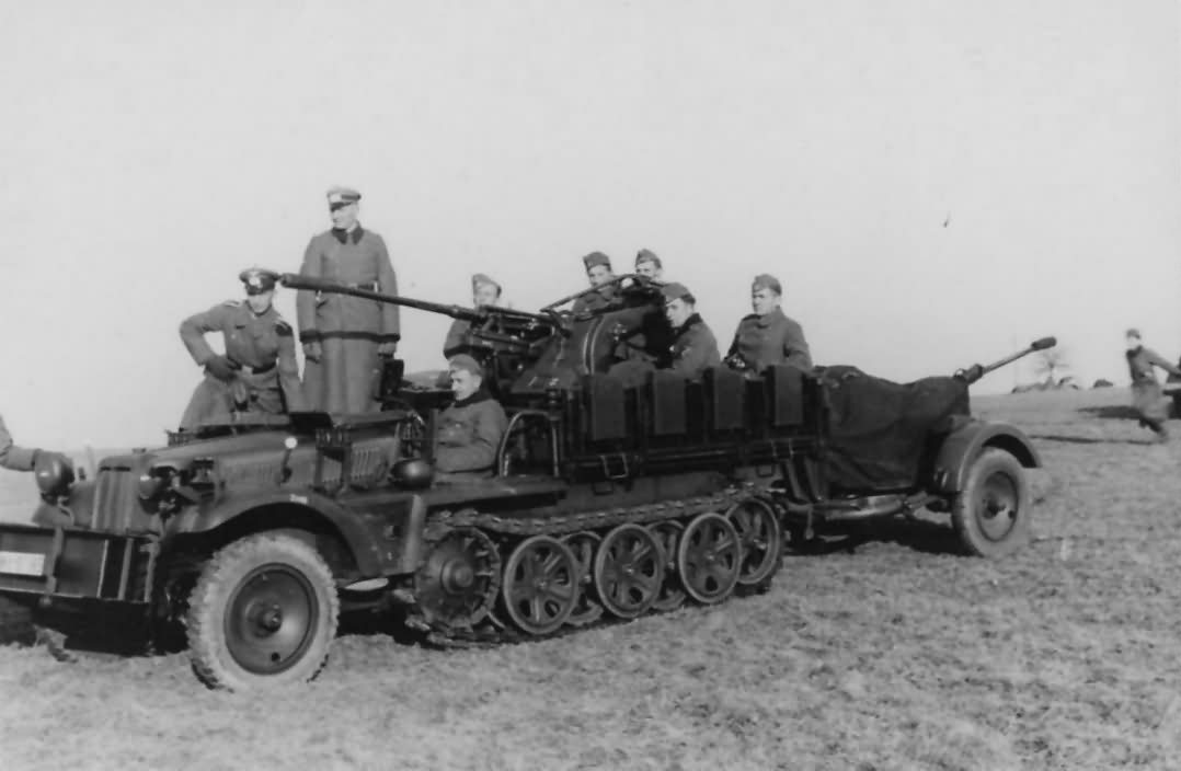 Sd.Kfz.10/4 with trailer 2