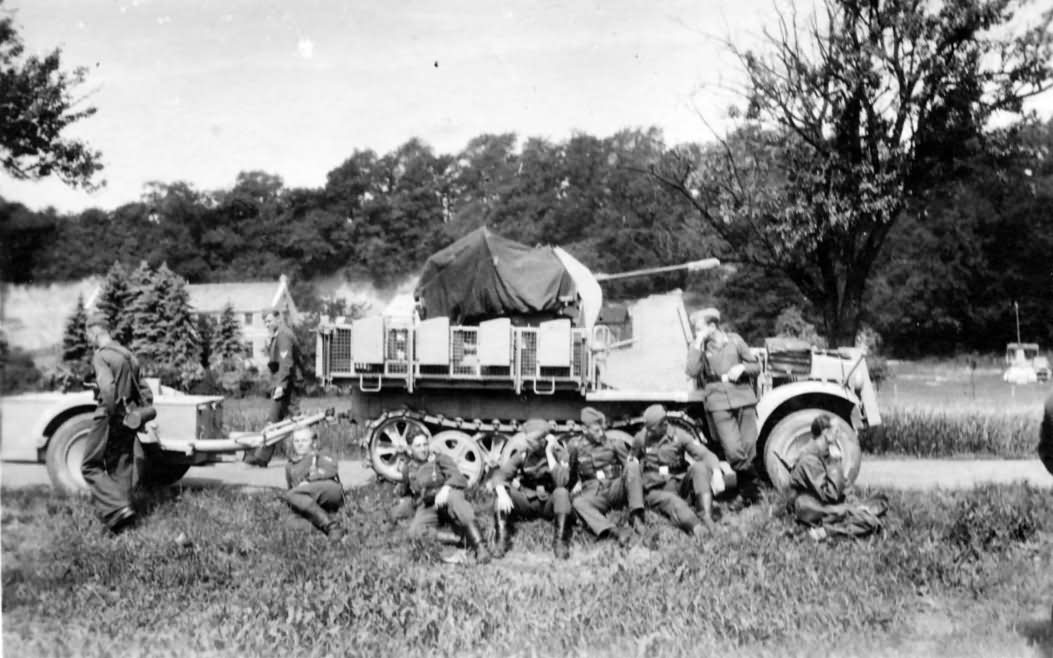 SdKfz 10/5 with armored cab