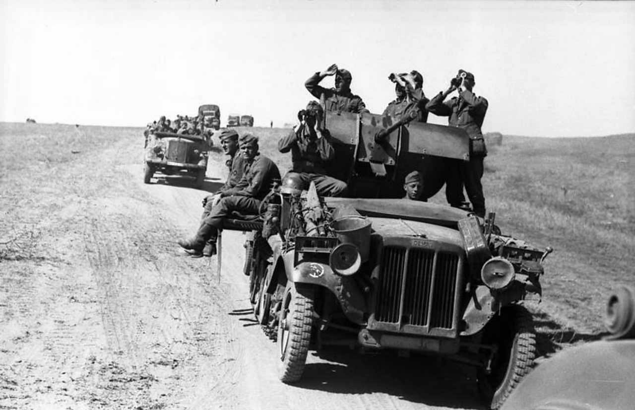 SdKfz 10/4 1942 Eastern Front