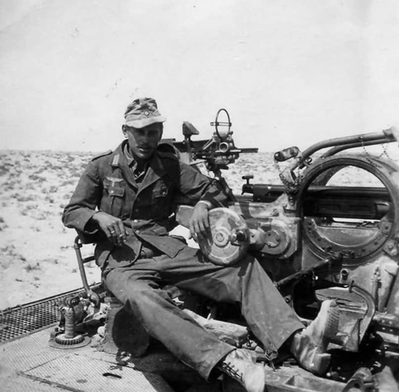 SdKfz 10/4 DAK Afrika Korps