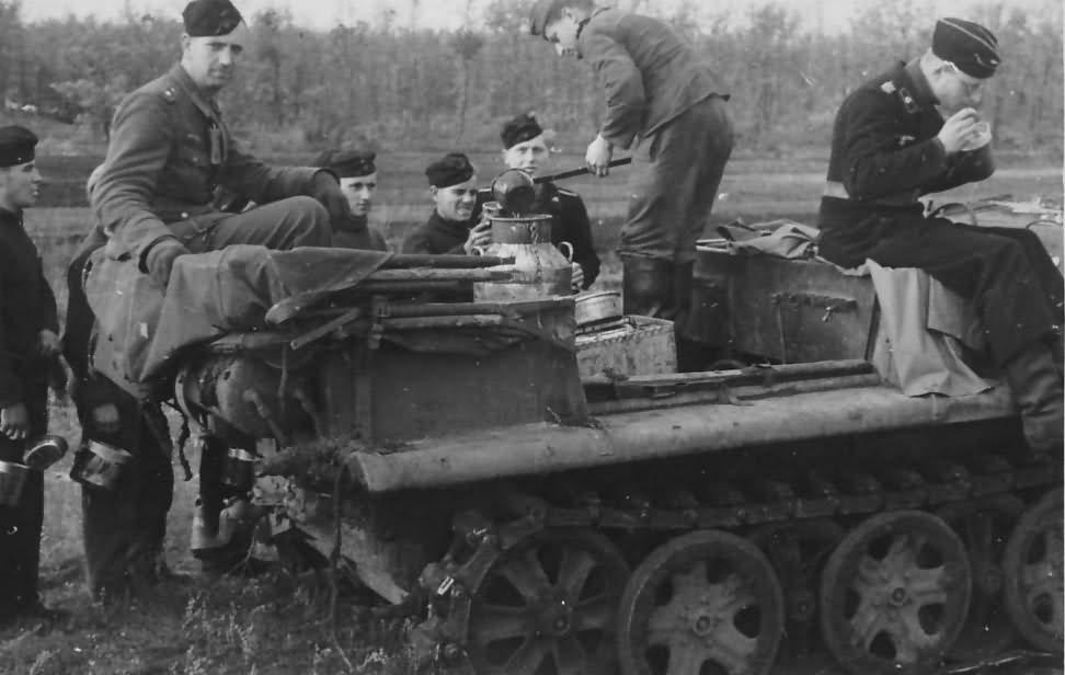 SdKfz 10 Demag D7 halftrack
