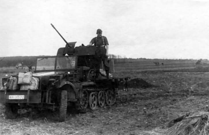 SdKfz 10/4 Wehrmacht halftrack with 20 mm flak
