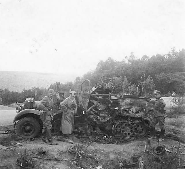 SdKfz 10 destroyed
