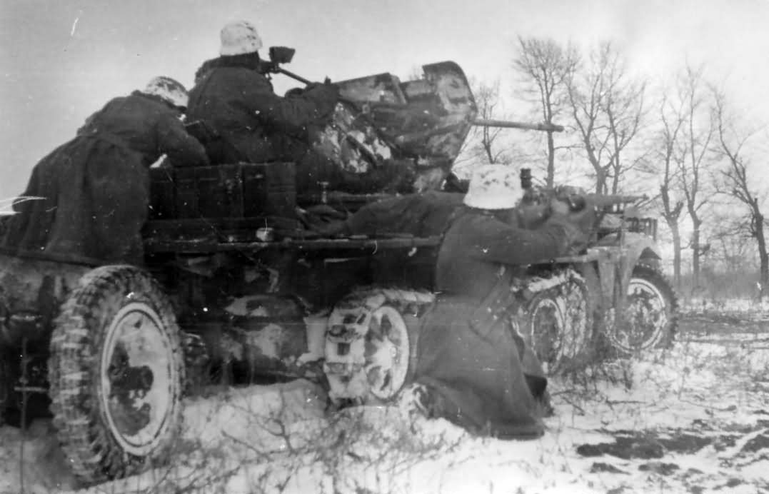 Sd.Kfz. 10/4 winter camo