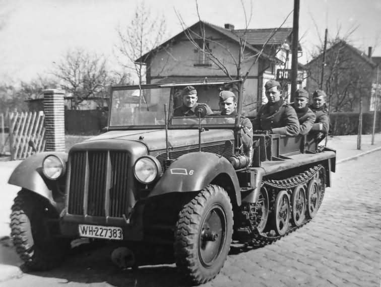 early Sd Kfz 10 WH-227383