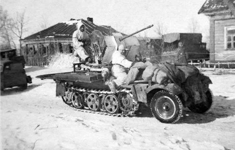 Sd.Kfz. 10/4 of the SS-Division Totenkopf