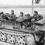 SdKfz 10 towing gun