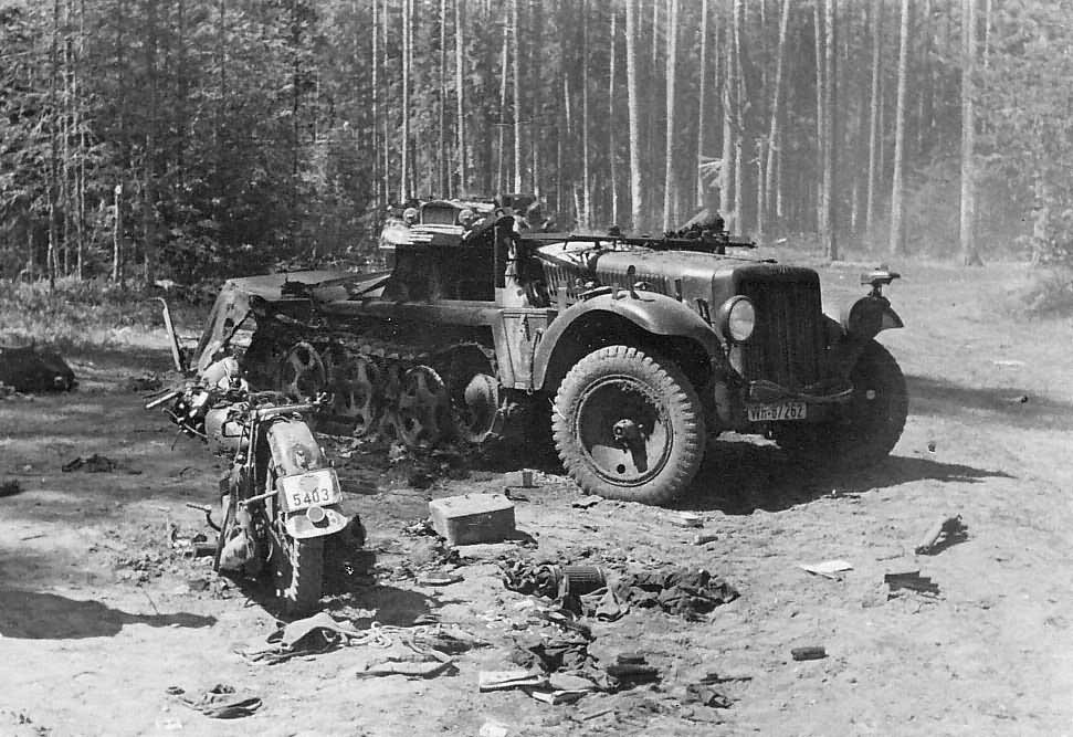destroyed SdKfz 10