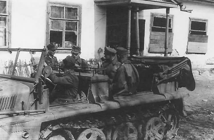 german halftrack SdKfz 10 15
