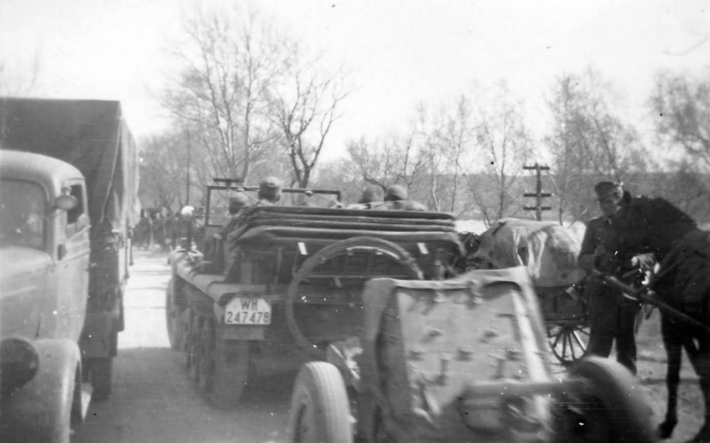 german halftrack SdKfz 10 WH-247478