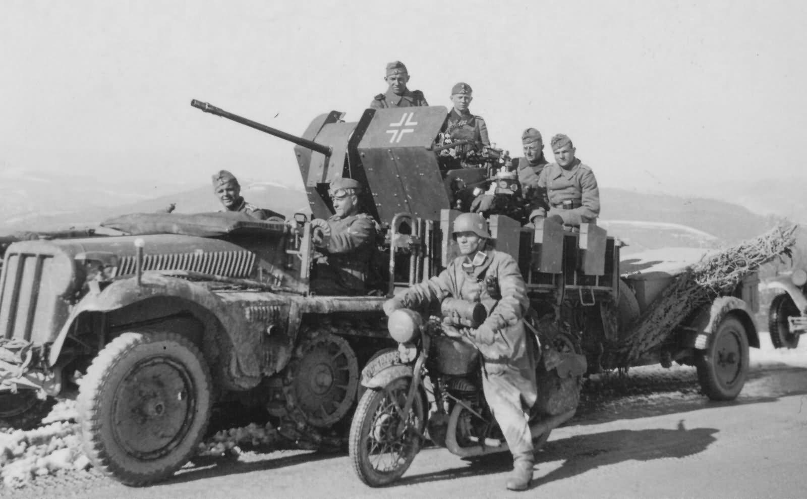 german halftrack SdKfz 10/4 flak model 1