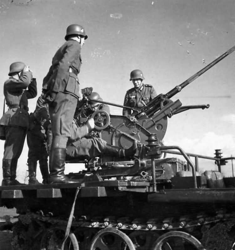 german halftrack SdKfz 10 flak model 5