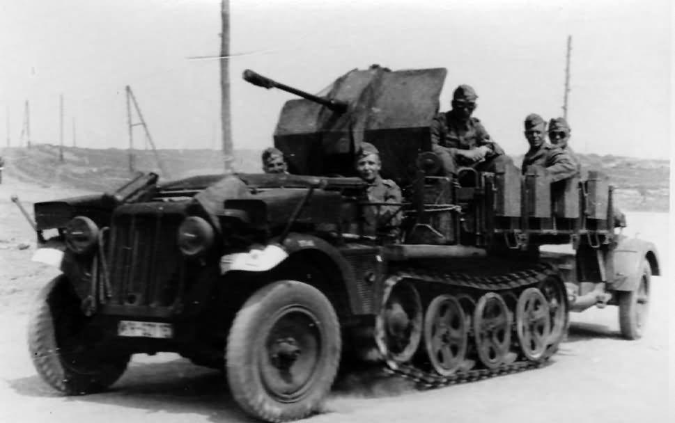 german ww2 half track SdKfz 10/4
