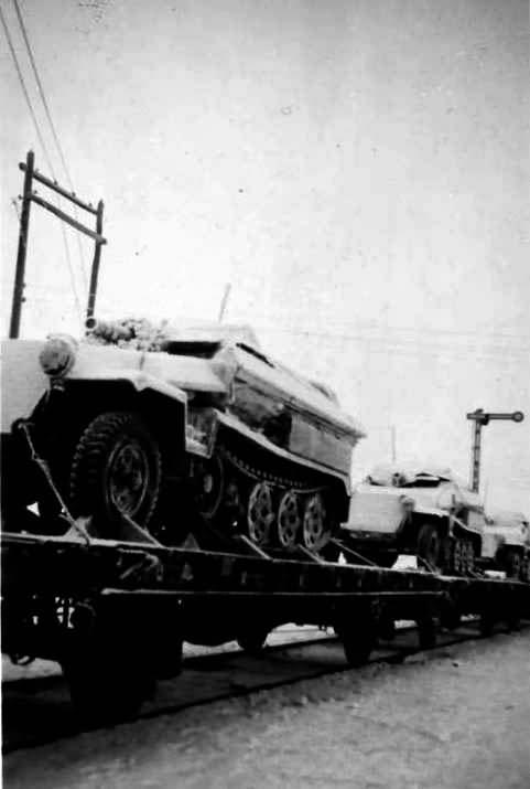 SdKfz 251/9 Ausf C halftracks