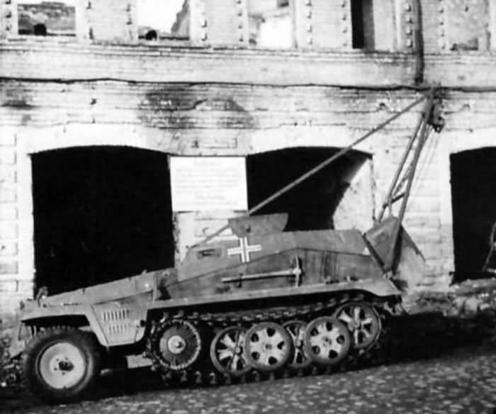 SdKfz 250 crane