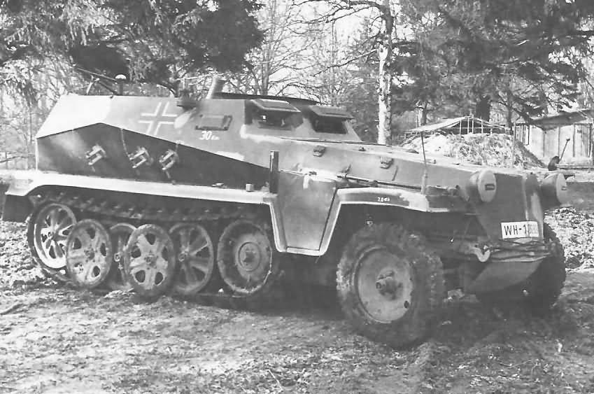 Sdkfz 250/7 (s.Gr.W.) Schutzenpanzer mit 8cm Granatwerfer