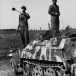 eastern front leichter Schutzenpanzer SdKfz 250 number 102 1944