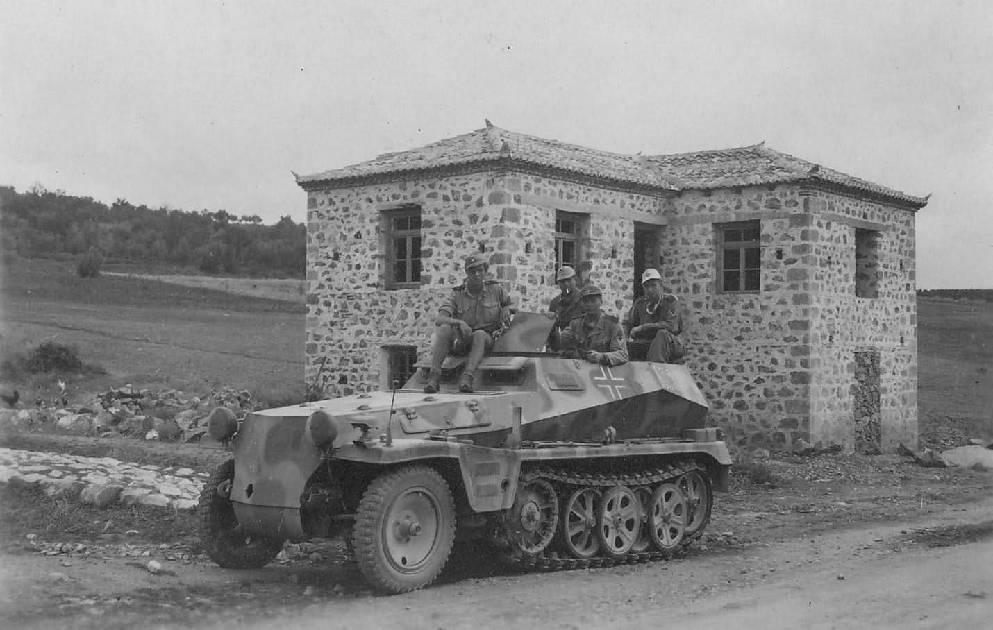 light armoured halftrack SdKfz 250 Ausf A