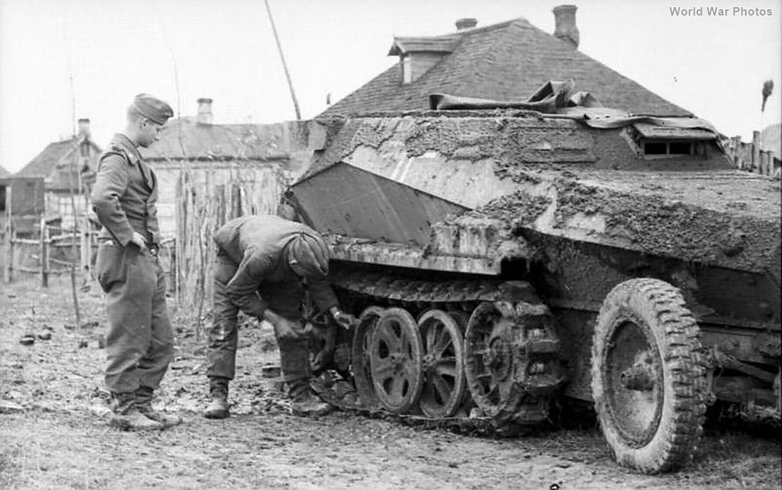 mud-covered SdKfz 250