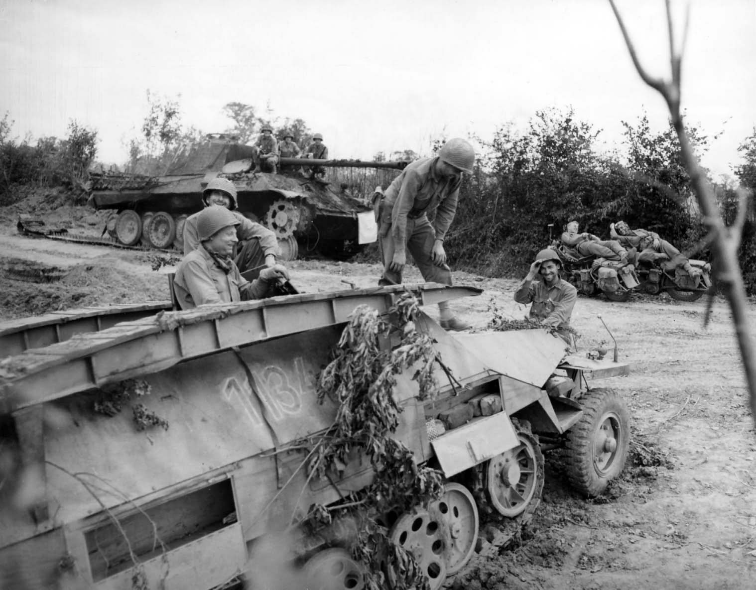 Panther and Sdkfz 251 Ausf D 1134 in Normandy 1944