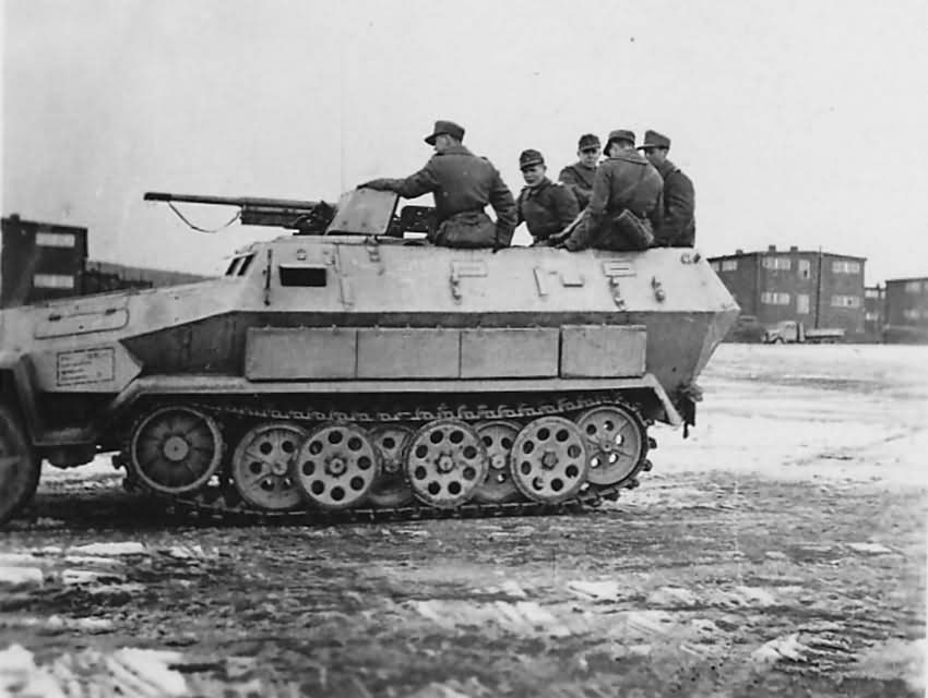 SdKfz 251/10 Ausf A support vehicle