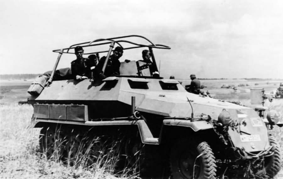 SdKfz 251/3 Russia