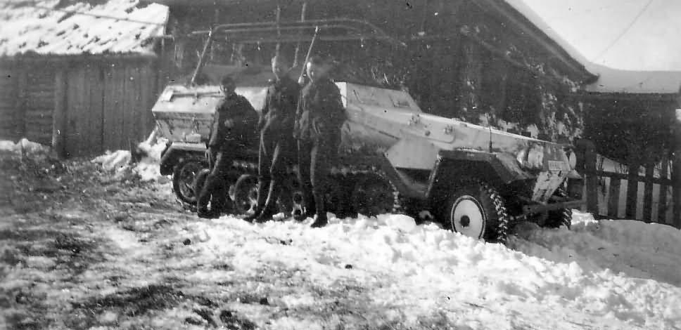 SdKfz 251 3 winter camo