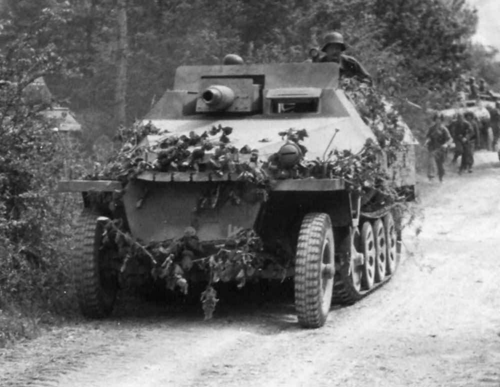 SdKfz_251-9_Ausf_D_mit_7_5_cm_KwK_37_L24